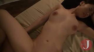 Late-night creampie for hot Asian