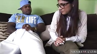 Nice ass arab Mia Khalifa Tries A Big Black Dick
