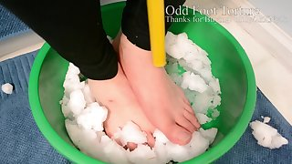 Foot Torture: Feet in Snow for 39 minutes