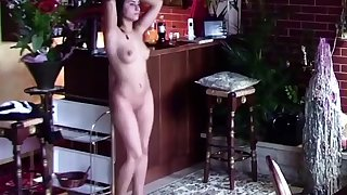 SEXY GIRLFRIEND STRIPPING AND DANCING