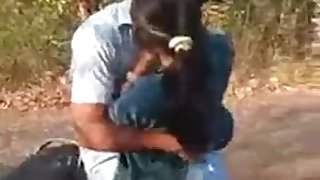desi indian kiss and jappi in jangal on scooter sexy
