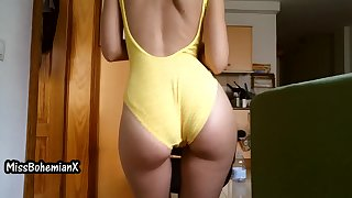 My new Small Yellow Swimsuit - Ass Shaking