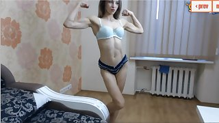 18 year old ripped girl with amazing muscles