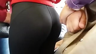filming my sister'butt on public transport